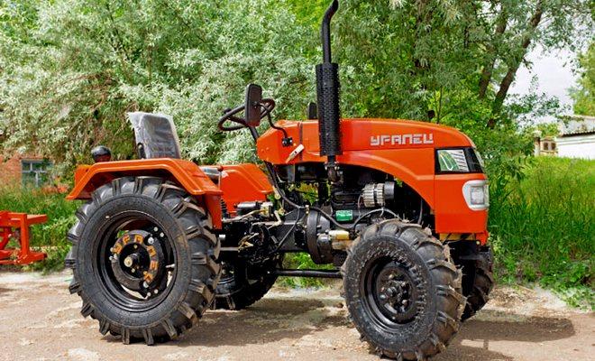 Простой трактор