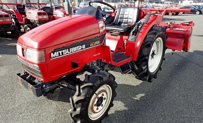 Трактор Митсубиси