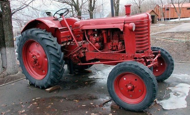 Трактор универсального типа