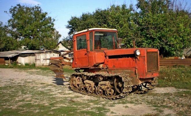 Тяговый трактор