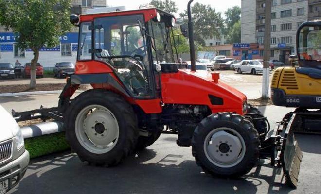 Коммунальный трактор