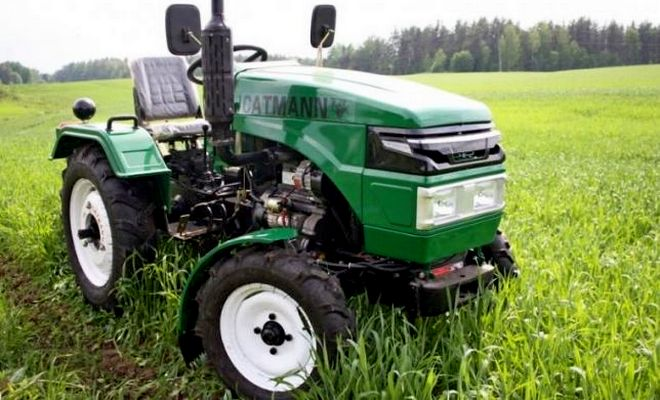 Маленький трактор