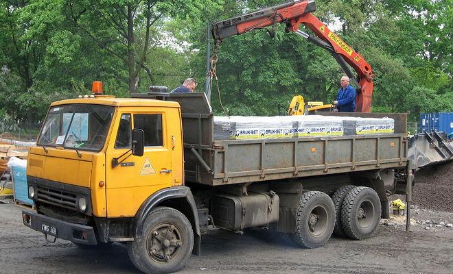 Бортовой грузовик 5320