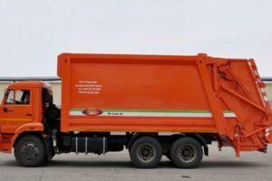 Популярные модели мусоровозов с боковой и задней загрузкой на базе шасси КамАЗ