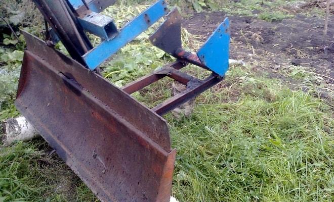 Тракторная лопата