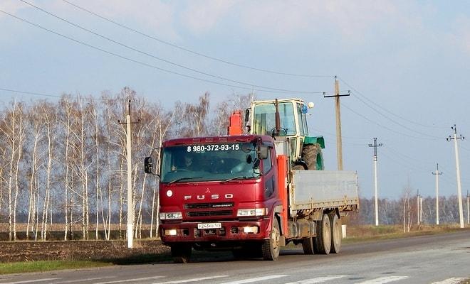 ЮМЗ на грузовом автомобиле