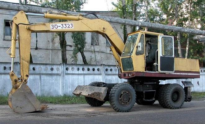 Землеройная машина 3323