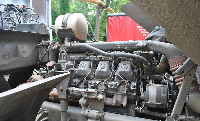 Двигатель тягача 6460