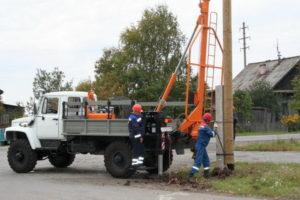 Бурильно-крановые машины на базе грузового автомобиля ГАЗ-33081 и трактора МТЗ-82