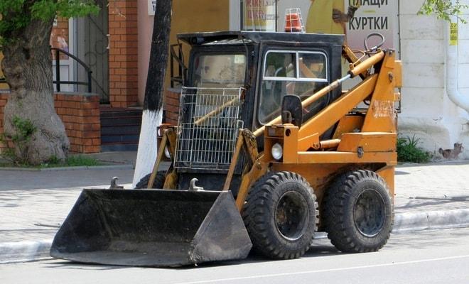 Коммунально-строительная машина