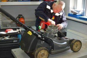 Особенности самостоятельного ремонта бензиновых и электрических газонокосилок