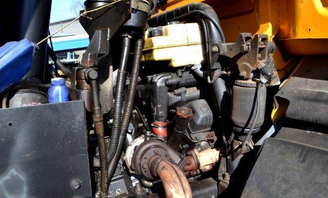 Мотор грузовика 65201