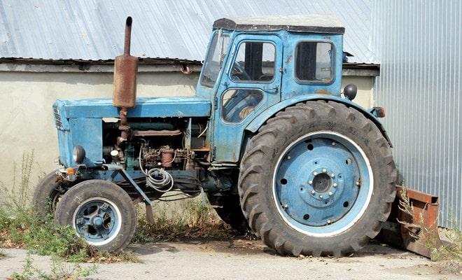 Отремонтированный трактор