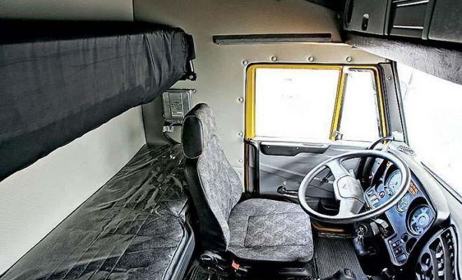 Салон грузовика 6460