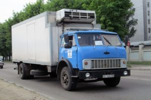 Характеристики базового грузовика МАЗ-5334 и нескольких популярных модификаций