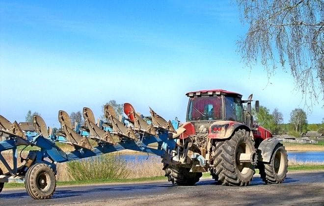 Беларус с навесным оборудованием