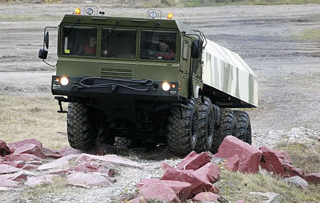 Грузовик с цельнометаллическим кузовом