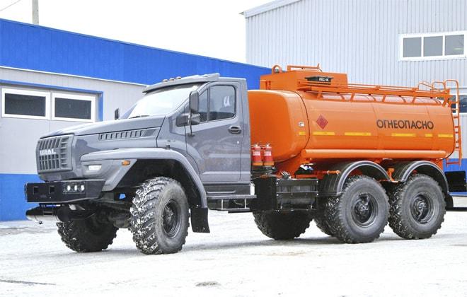 Машина для перевозки бензина