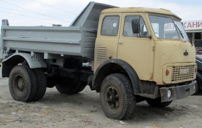 Машина для перевозки сыпучих материалов