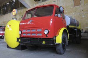 История и характеристики советского грузового автомобиля МАЗ-500