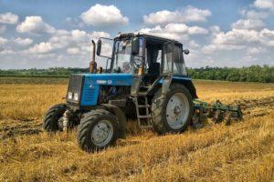 Плюсы и минусы универсального белорусского трактора МТЗ-920