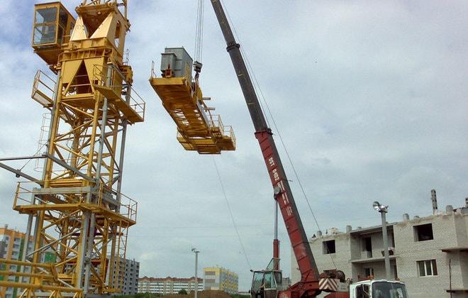 Монтаж строительного крана