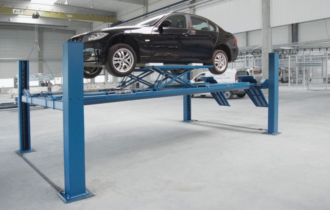 Гидравлическая платформа для автосервиса на четырех стойках