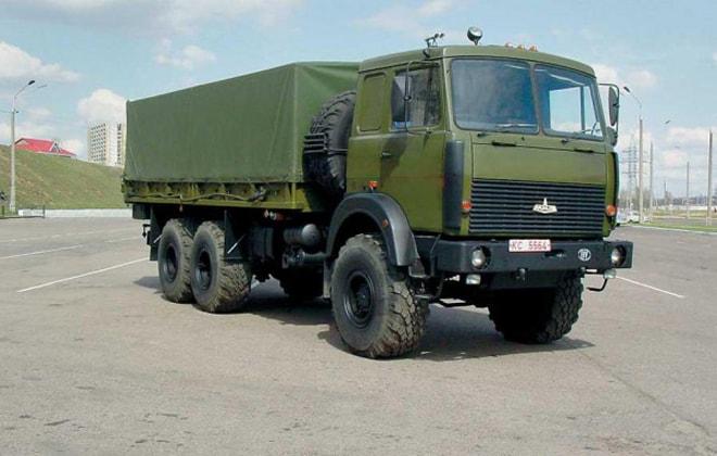 С 8-цилиндровым дизельным двигателем