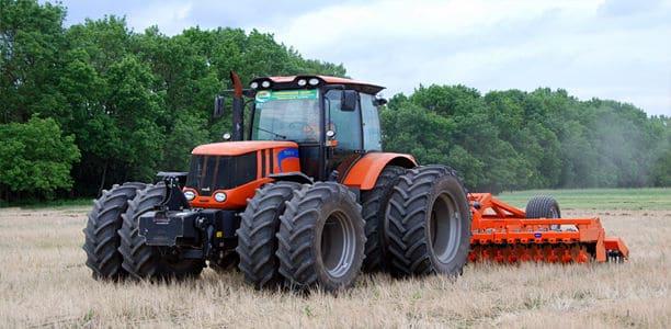 Сельскохозяйственная машина незаменима в работе