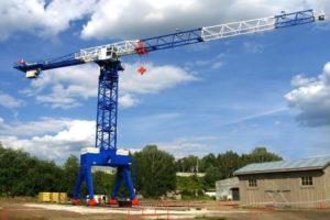 Как собирают и устанавливают башенный кран на стройке