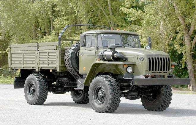 Универсальный грузовой автомобиль