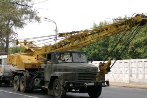 Технические характеристики автомобильного крана КС-4561 и его модификаций