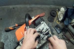 Устройство и принцип работы масляного насоса бензопилы