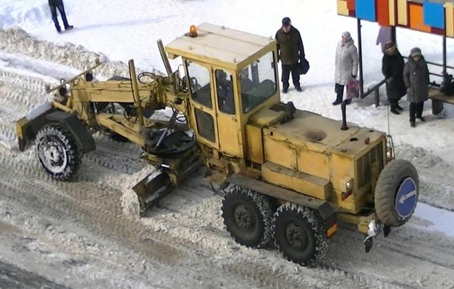Автогрейдер 180