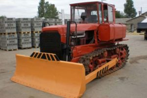 Технические характеристики ДЗ-42 и ТОП-8 других распространенных моделей бульдозера на гусеничном ходу