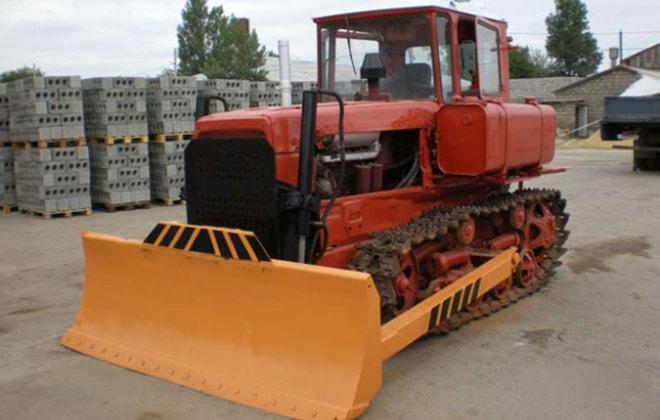 Бульдозер ДЗ-42 на гусеничном ходу