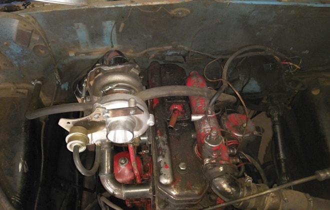 Двигатель с турбиной