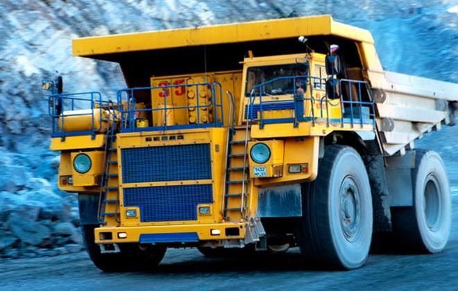 Грузовик, предназначенный для транспортировки горных пород