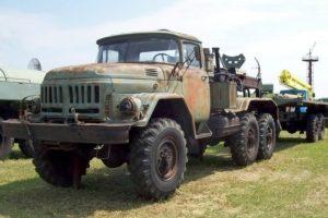 ТОП-2 модификации армейского грузового автомобиля ЗИЛ-137 с повышенной проходимостью
