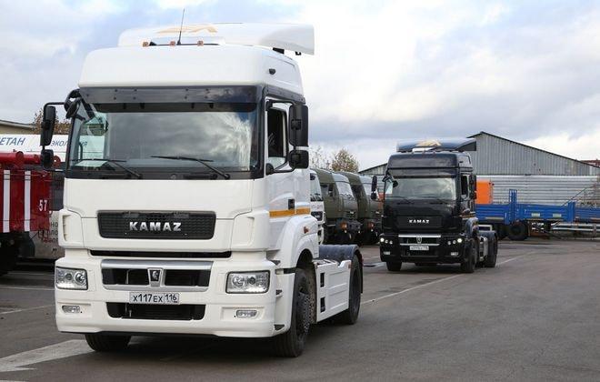 Новые грузовики 5490