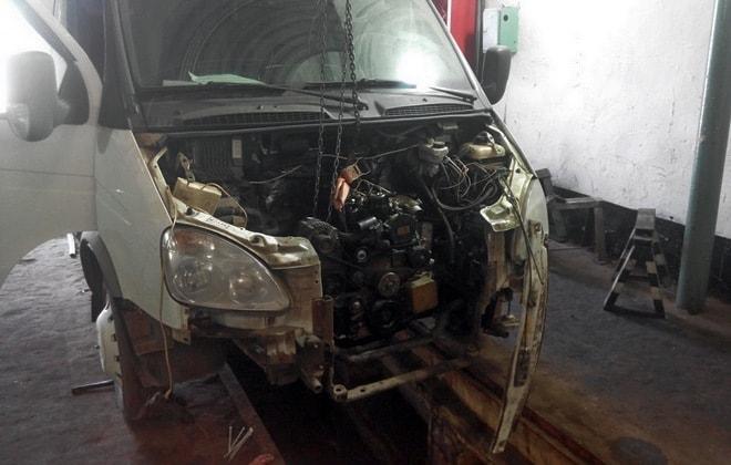 Ремонт мотора на машине ГАЗ