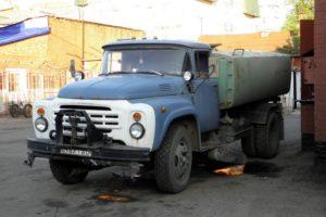 Популярная коммунальная техника на грузовом шасси ЗИЛ-431412