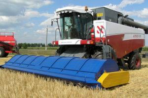 Устройство и принцип работы очесывающих жаток для уборки урожая зерновых