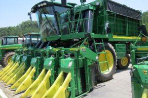 Хлопкоуборочный комбайн и другие разновидности специальной сельхозтехники для сбора урожая