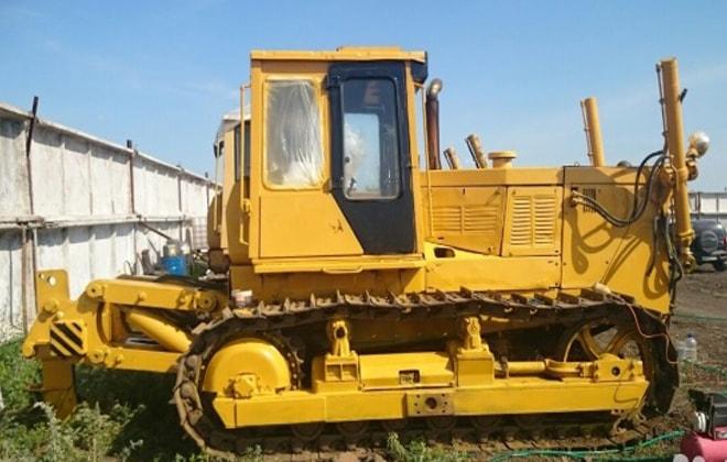 Трактор Б10
