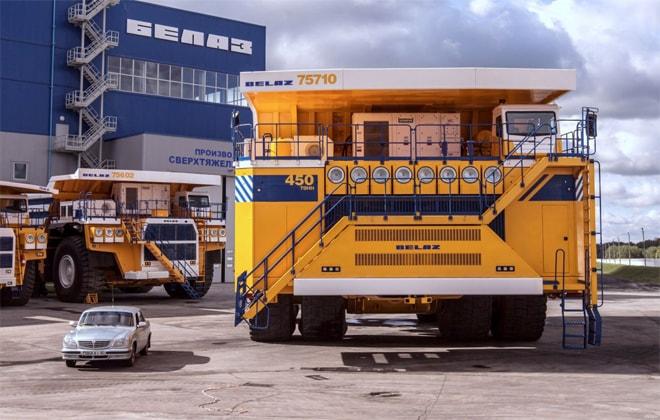 Транспортное средство, предназначенное для выполнения работ в карьере