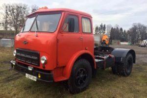 Популярный седельный тягач МАЗ-504 и его модификации