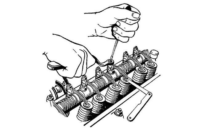 Процесс регулировки клапанов