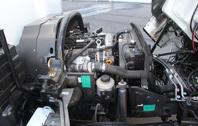 Двигатель четырехцилиндровый