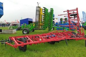 ТОП-5 прицепных культиваторов КПС для тракторов